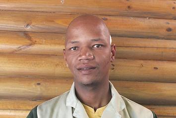 Lwando Ncapayi